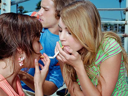 teens smoking